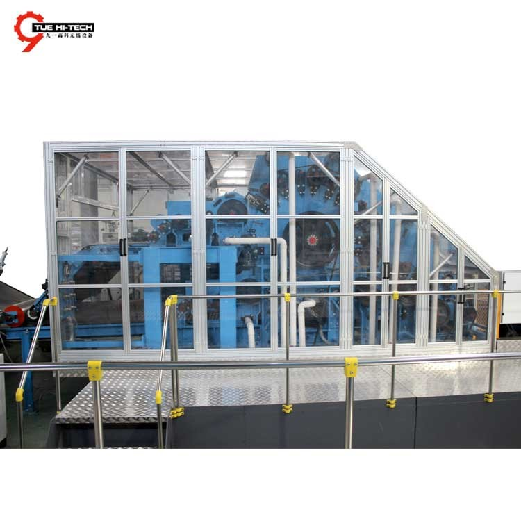 HIGH CAPACITY NONWOVEN CARDING MACHINE FOR FIBER CARDING